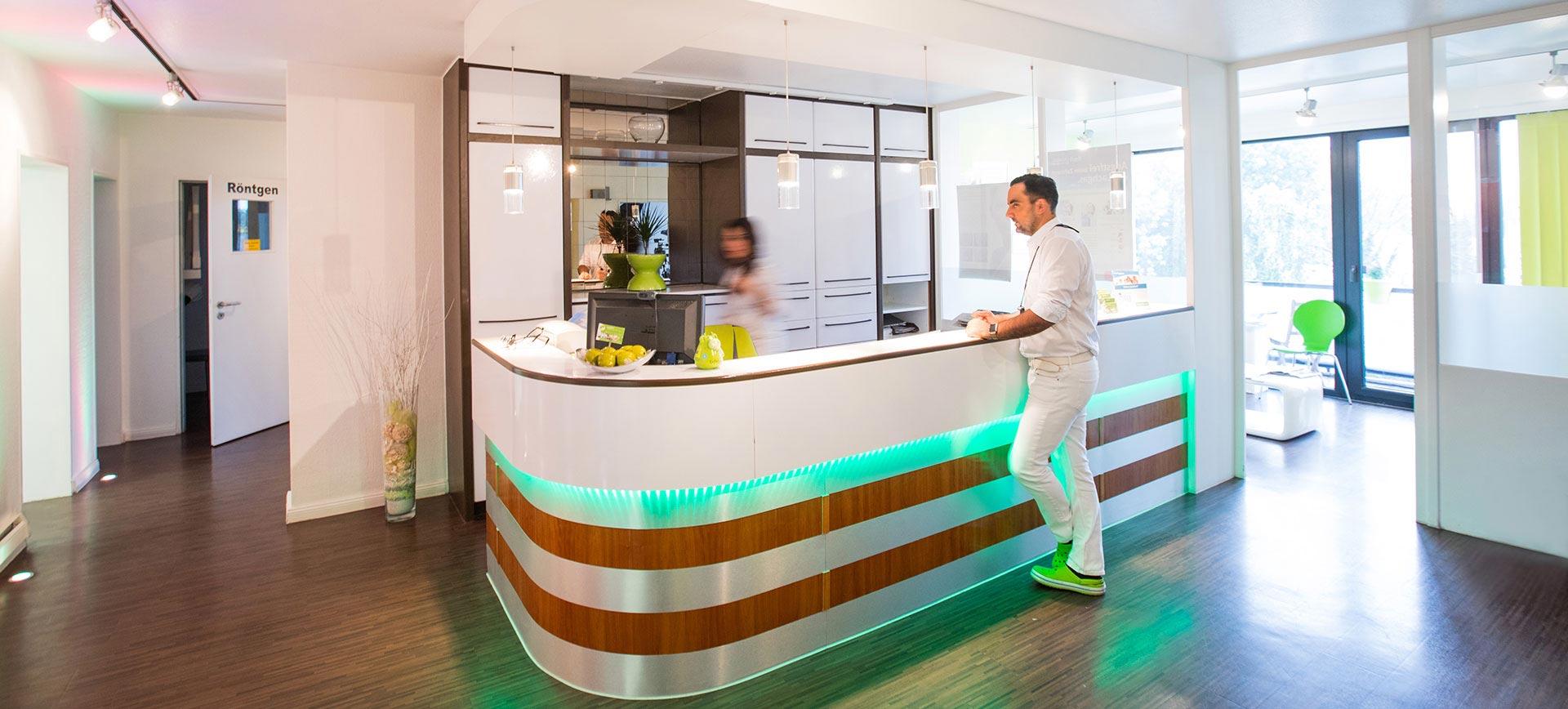 happydens ist ihr kompetenter zahnarzt in d sseldorf. Black Bedroom Furniture Sets. Home Design Ideas